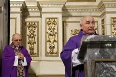 Życzenia dla księży prałatów Józefa Leśniaka i Edwarda Nylca_Moment(21)