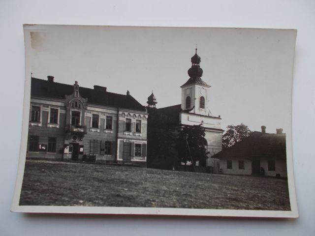 13-tymbark-rynek-i-kosciol-pocztowka-prywatna-jak-zmniejszyc-fotke_pl