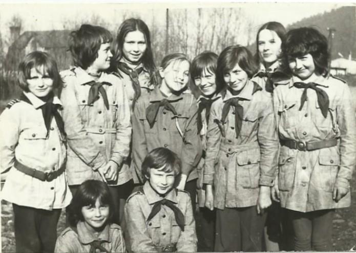 Harcerze z klasy IV a, 1977
