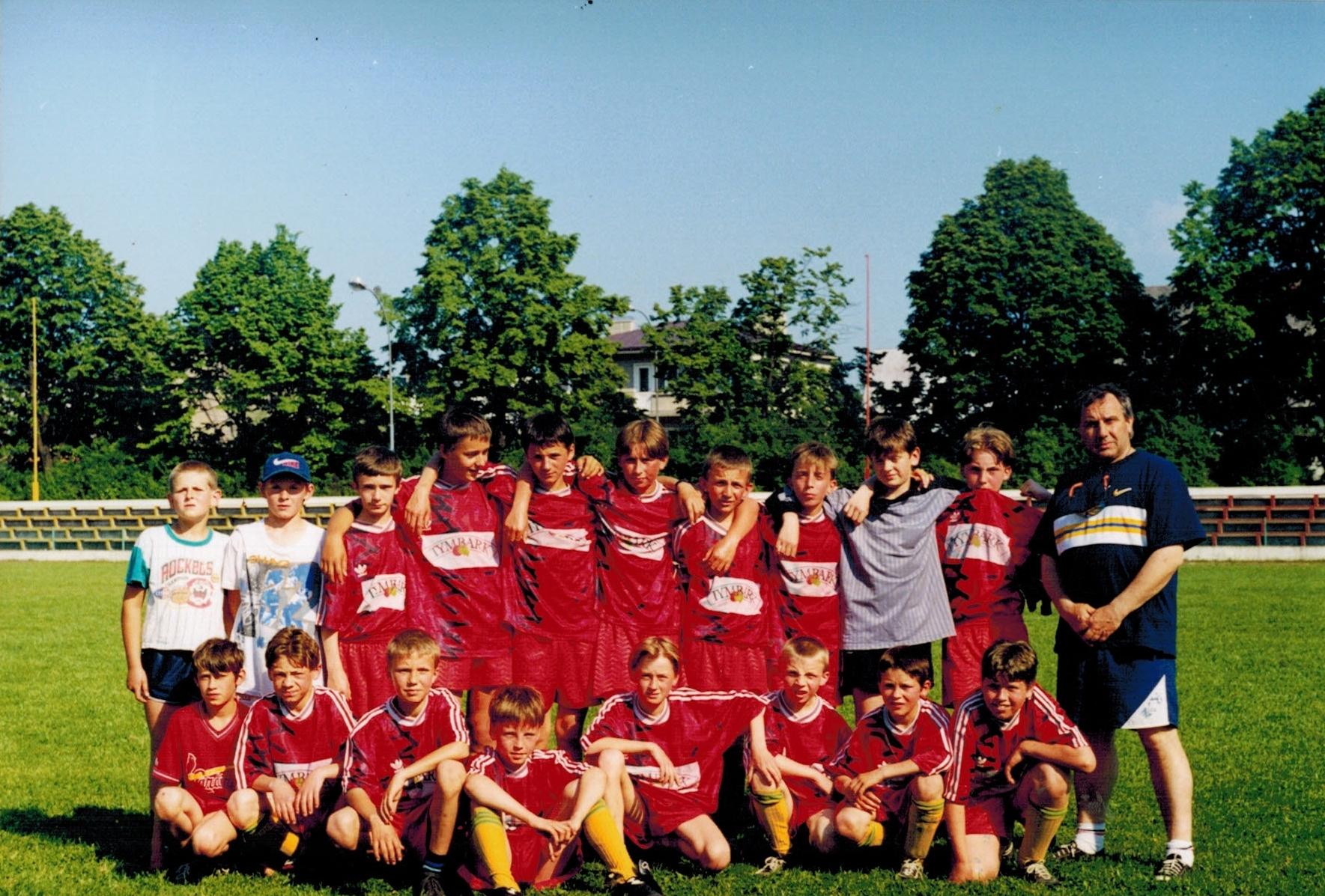Reprezentacja SP Tymbark na Mistrzostwach Powiatu - Limanowa 1996