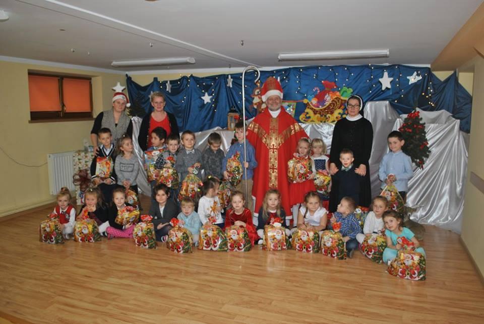 Św.Mikołaj z pięciolatkami